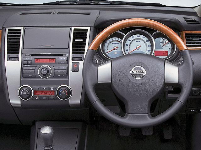 日産 ティーダラティオ 新型・現行モデル