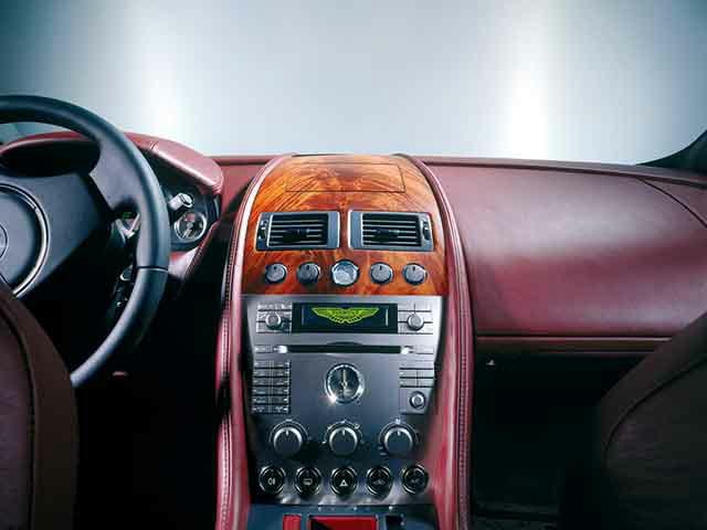 アストンマーティン DB9 新型・現行モデル