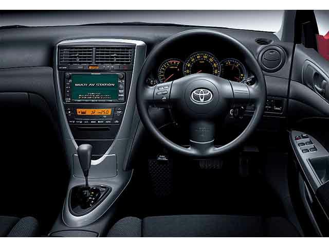 トヨタ カルディナ 新型・現行モデル