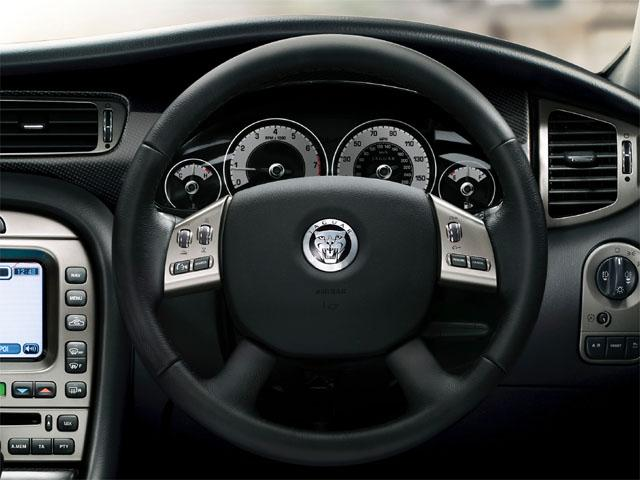 ジャガー Xタイプ 新型・現行モデル