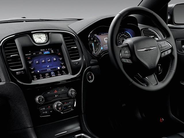 クライスラー 300 2015年10月〜モデル