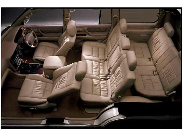 トヨタ ランドクルーザー100 新型・現行モデル