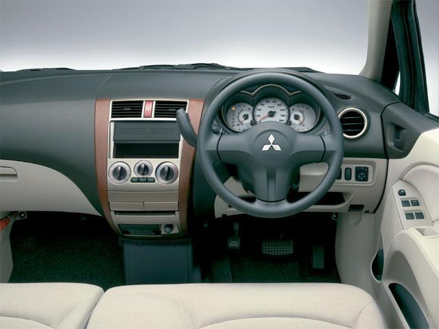 三菱 コルト 2007年11月〜モデル