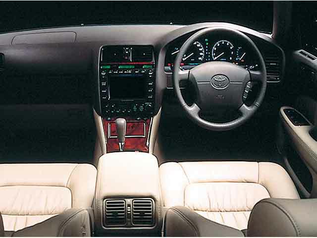 トヨタ セルシオ 新型・現行モデル