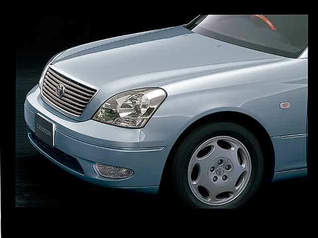 トヨタ セルシオ 2001年8月〜モデル
