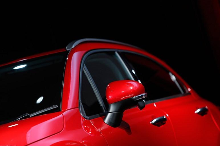 本日発表! フィアット初のスモールSUV「500X」…価格は200万円台から