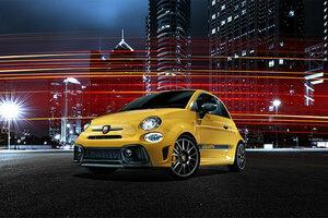 アバルト、機械式LSDを搭載した限定車「595 Competizione Performance Package」を発売
