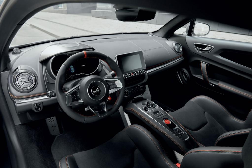 アルピーヌA110の高性能版「A110S」が本国デビュー!