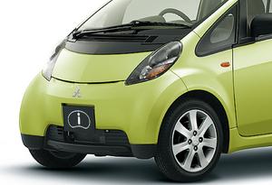 【もう車齢13年…】登場年に買っても今年自動車税15%増しになるクルマたち
