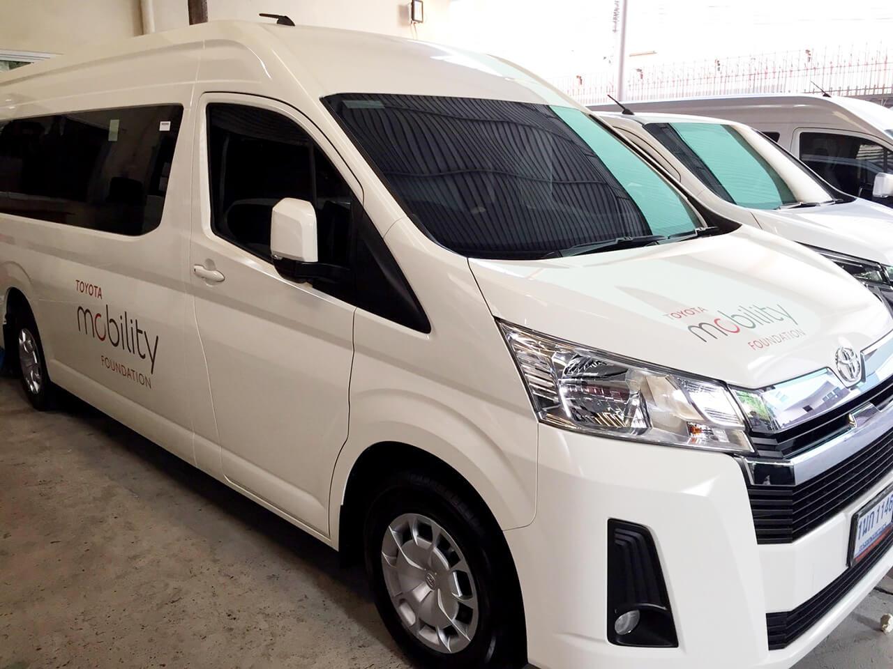 トヨタ・モビリティ基金がコロナウイルスと戦うタイの医療従事者に送迎サービスを実施