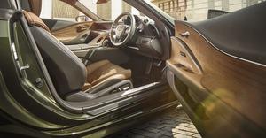 LEXUS LC & IS、優雅さや気品を際立たせる特別仕様車を販売