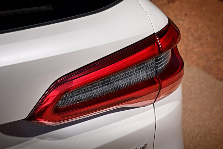 BMW「X5」デビュー 第4世代となった新型3.0L直6ディーゼル搭載