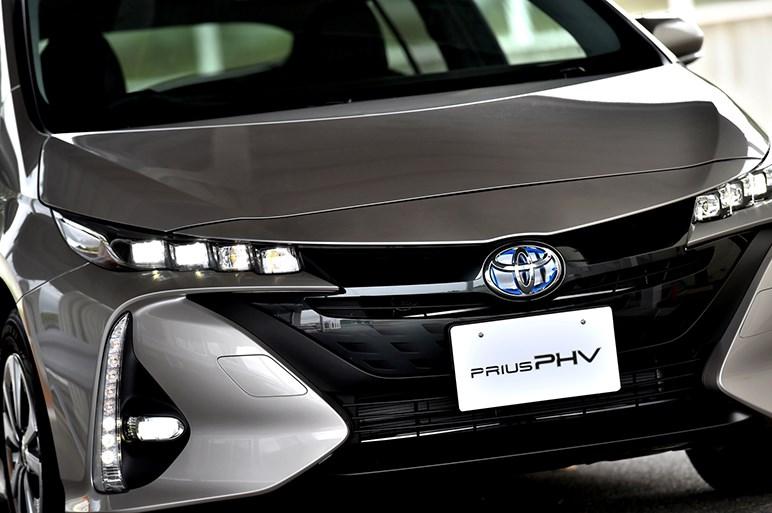 プリウスPHV初試乗。EV航続距離や最高速度、快適性能が大幅進化