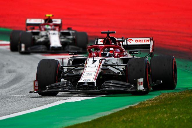 ライコネン「ペースは確実に進歩。終盤は燃料をセーブしたので、クビアトを追えなかった」:アルファロメオ F1第2戦決勝