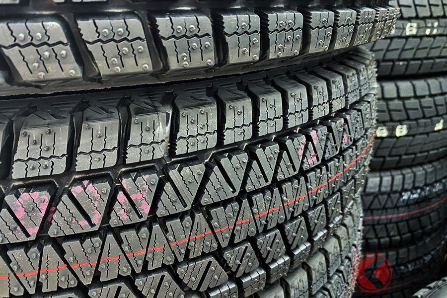 夏こそ再チェック必須!? 冬タイヤの正しい保管方法 除去しておきたい厄介者とは