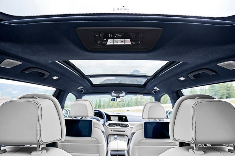 独BMW、最上級SUV新型「X7」の詳細を発表。ハイエンドならではの豪華仕様