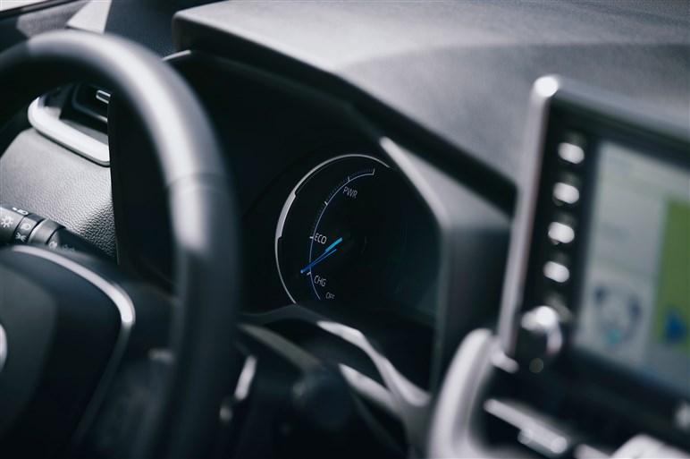次期トヨタ RAV4の詳細が英国で明らかに。国内のライバルと比べてどうか?