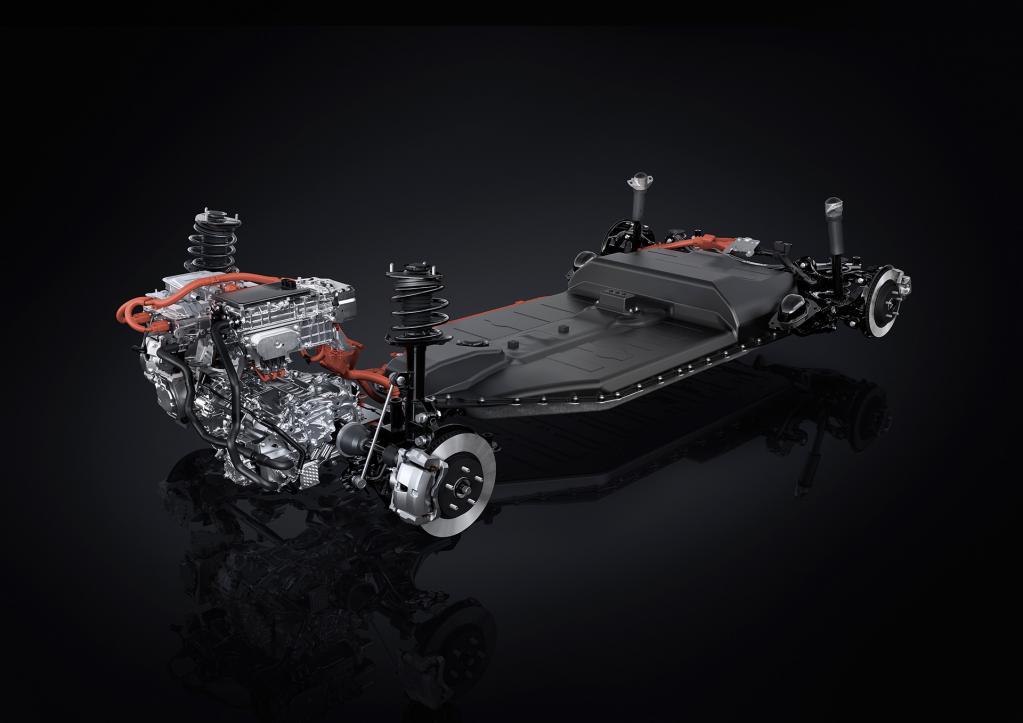 航続距離400km‼︎ レクサス初のEV市販モデル「UX300e」公開。日本での発売は2021年前半を予定