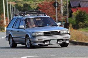 """「モデル後期に加わったブルーバードワゴンの最上級グレード」そもそも""""ウイングロード""""はグレード名だった!?【ManiaxCars】"""