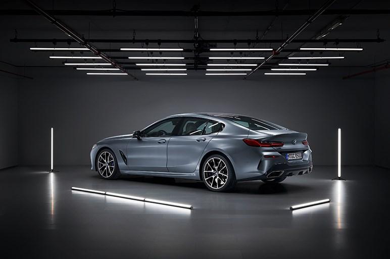 独BMW、8シリーズグランクーペを発表 ボディを約230mm延長した4ドア仕様
