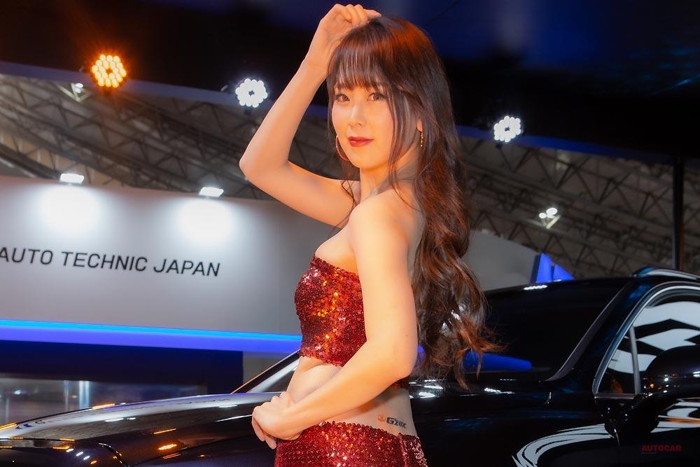 【輝くベンテイガ】G'ZOX(ジーゾックス) 新リアルガラスコート、4月登場へ 東京オートサロン