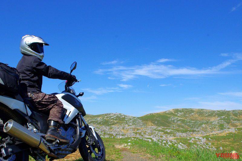 バイクで巡るニッポン絶景道:山口県 カルストロード【異世界感抜群!見渡す限り岩羊】