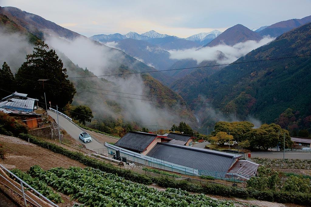 秘境「天空の里」に谷から雲が湧き上がる(長野県 下栗の里)【雲海ドライブ&スポット Spot 49】