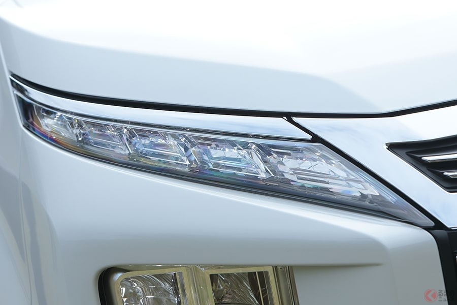 ヘッドライトが眩しいクルマはなぜ増えた? 最近のトレンドは明くて省エネタイプ