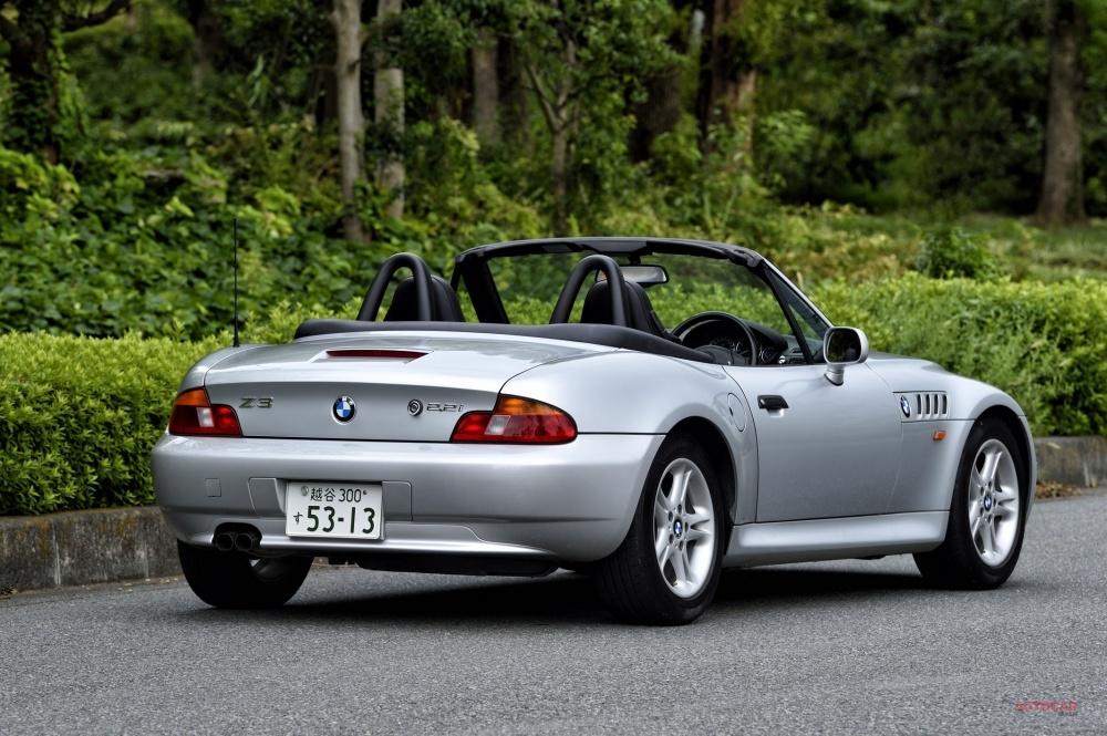 今あらためて試乗 BMW Z3 小粋で軽快、「これで充分」と思える懐かしさ