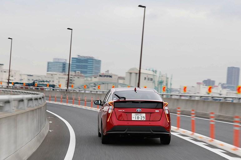 新型プリウス公道試乗を超速レポート。世界の定番と戦えるか?