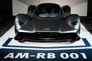 アストンAM-RB 001を初披露。レッドブル共同開発のV12スーパーカー
