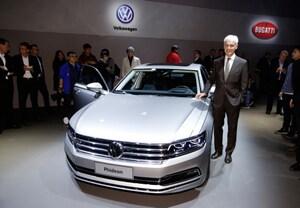 VW、中国市場向け最上級セダンを披露