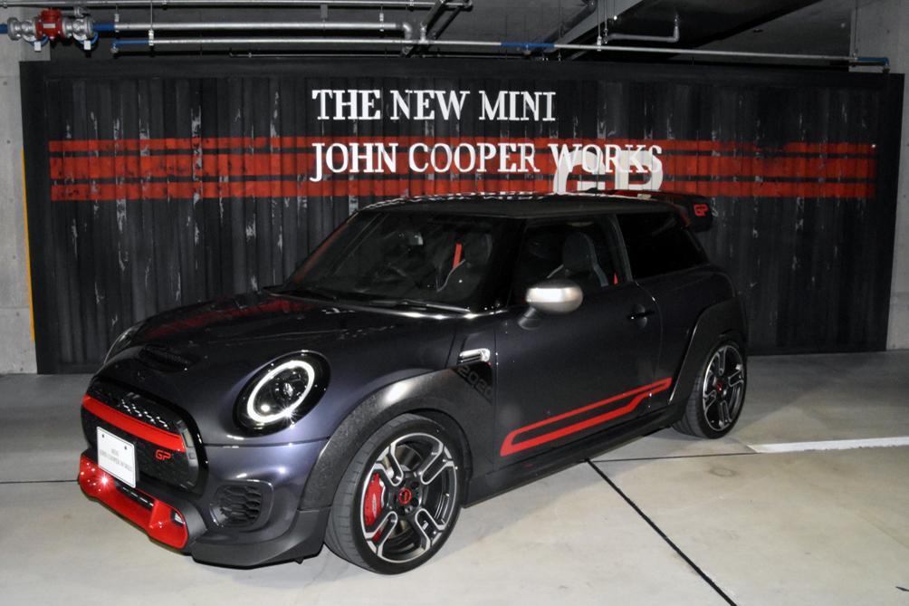 306馬力の史上最速モデル「MINI John Cooper Works GP」が日本初公開!