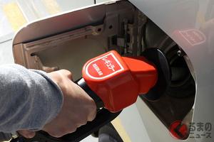 ガソリンスタンドでうっかり! 給油中にスライドドアを開けたらどうなる?