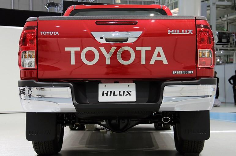 トヨタ ハイラックスが13年ぶりに日本復活。ディーゼルターボ搭載で326万7000円から