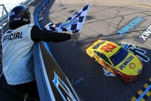 NASCAR第4戦:フォードのロガーノがシーズン2勝目。下位エクスフィニティではスープラがトップ3独占