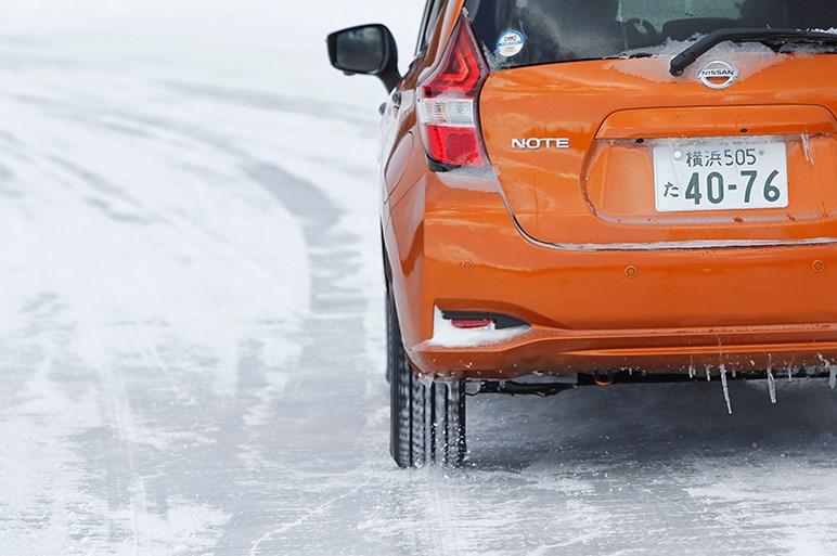 新型リーフのe-Pedalは氷上でその実力をフルに発揮した