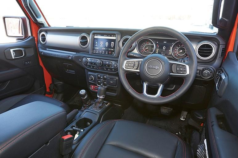 フルタイム4WD化で身近になったジープ・ラングラーの、それでも硬派な悪路走破性能