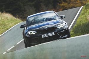 動画 アルピーヌA110 vs BMW M2コンペ 最高のスポーツカーは?