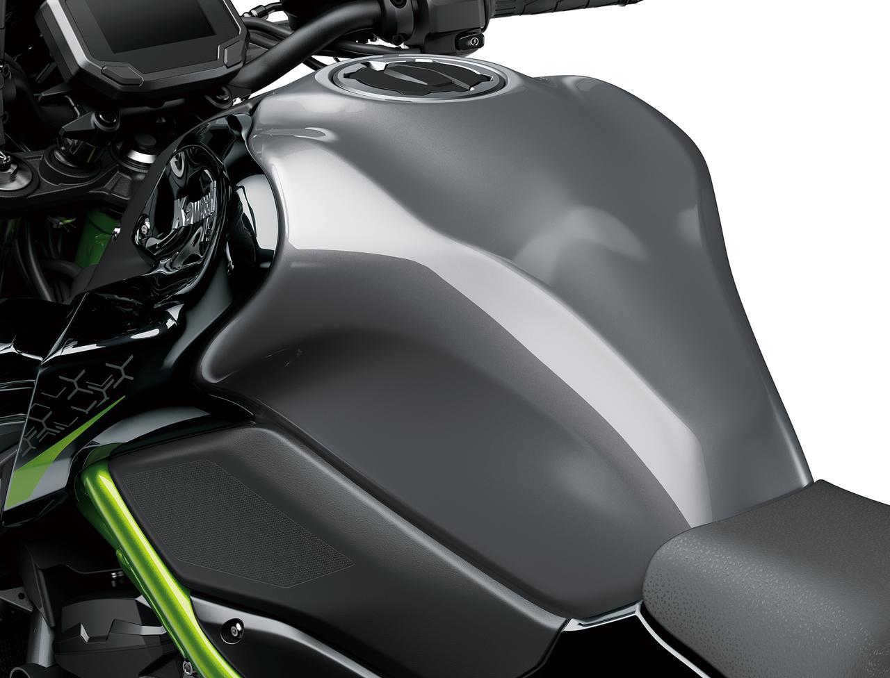 カワサキが新型「Z900」を1月15日に販売開始! 外観を一新し装備も充実、カラーは2色での展開