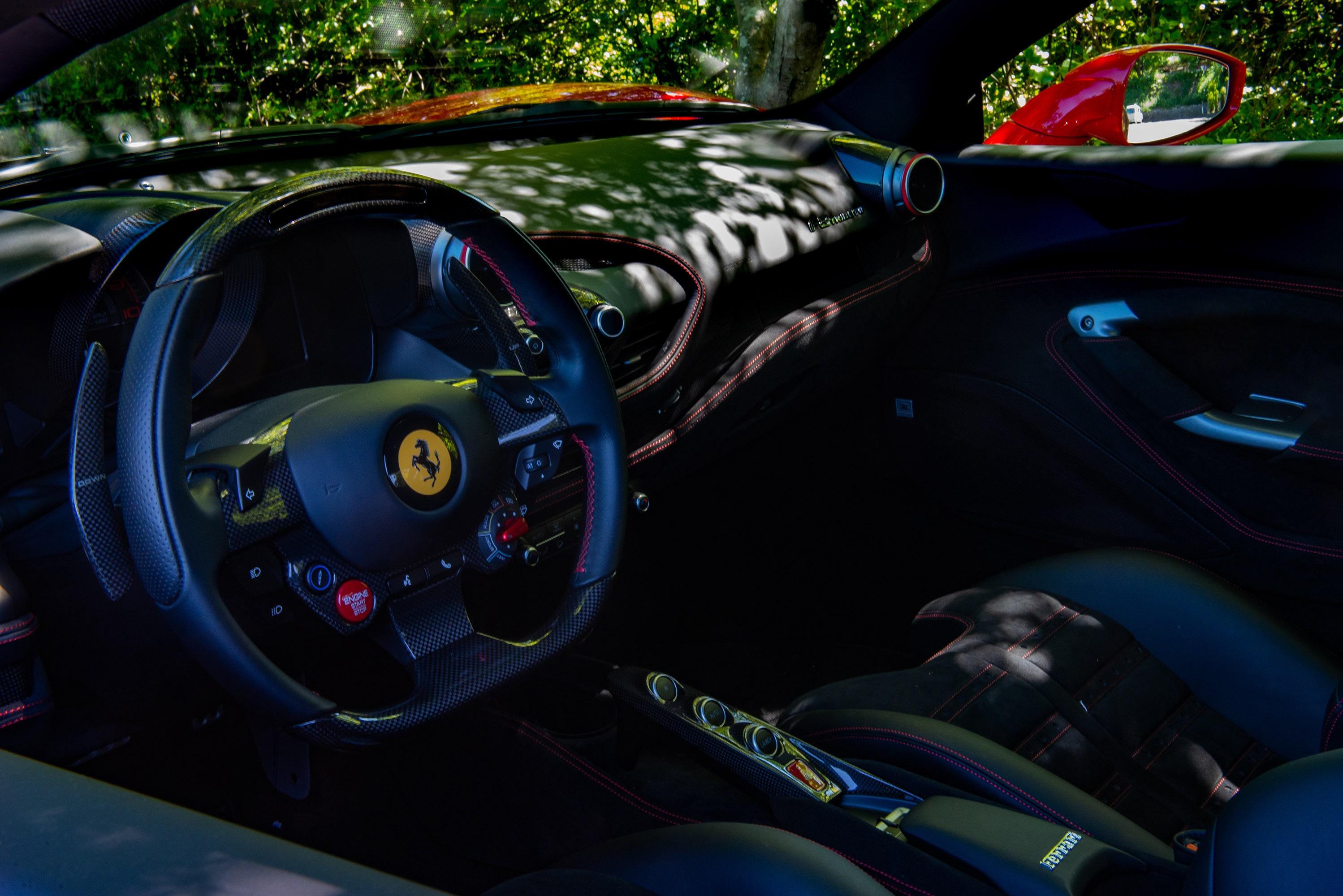 ピュアなV8ガソリンエンジンを積んだミドシップ・フェラーリは最後かもしれない