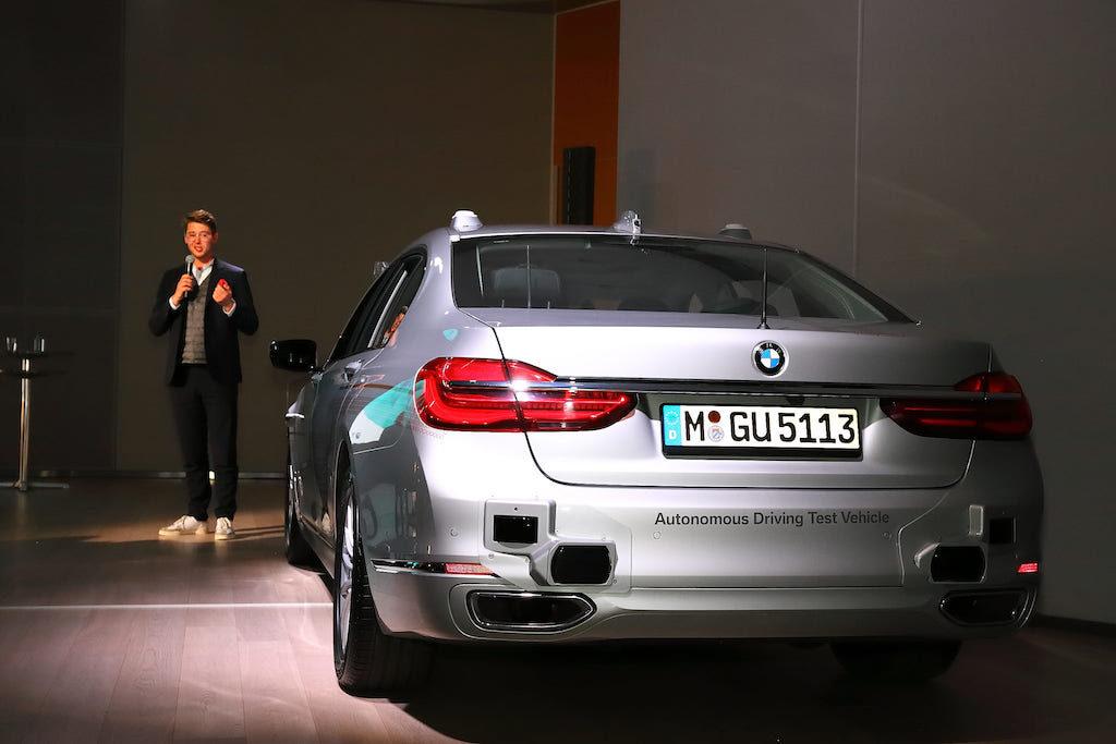 """BMWの自動運転""""レベル4""""がお台場でデモ走行を実施"""