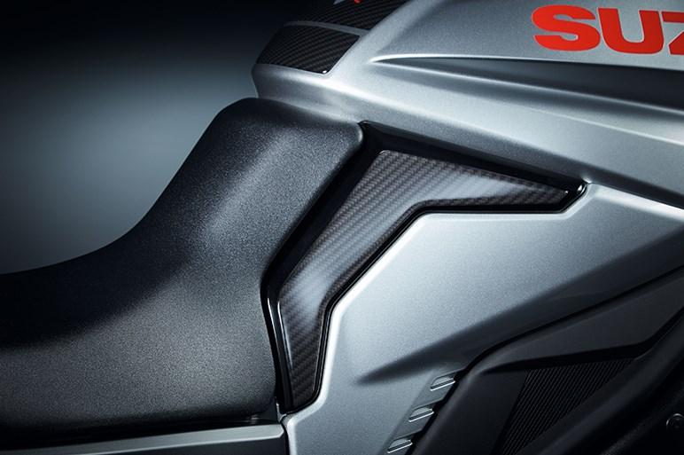 スズキの新型「KATANA」が正式発表。アップハンドルだけに目を奪われている場合じゃない