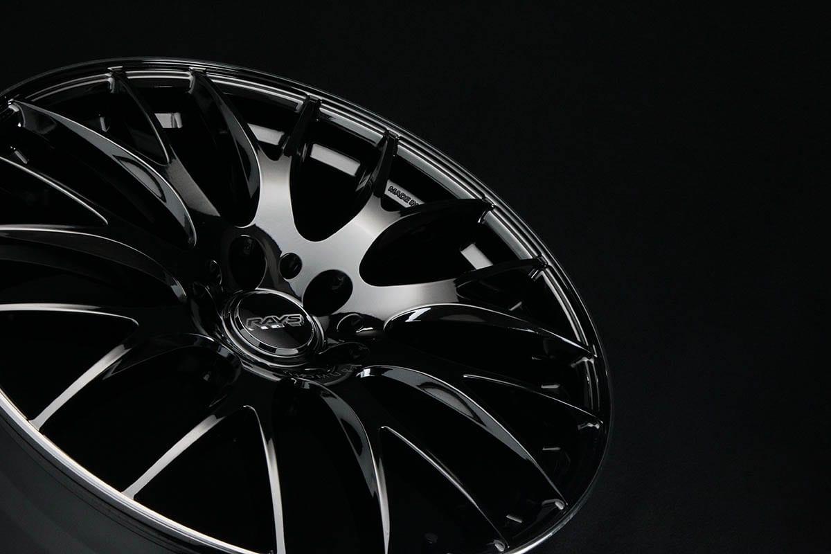 黒は黒でもこだわりが違う「漆黒の輝き」 特別な色とレイズの技術が交じり合うプレミアムなホイール