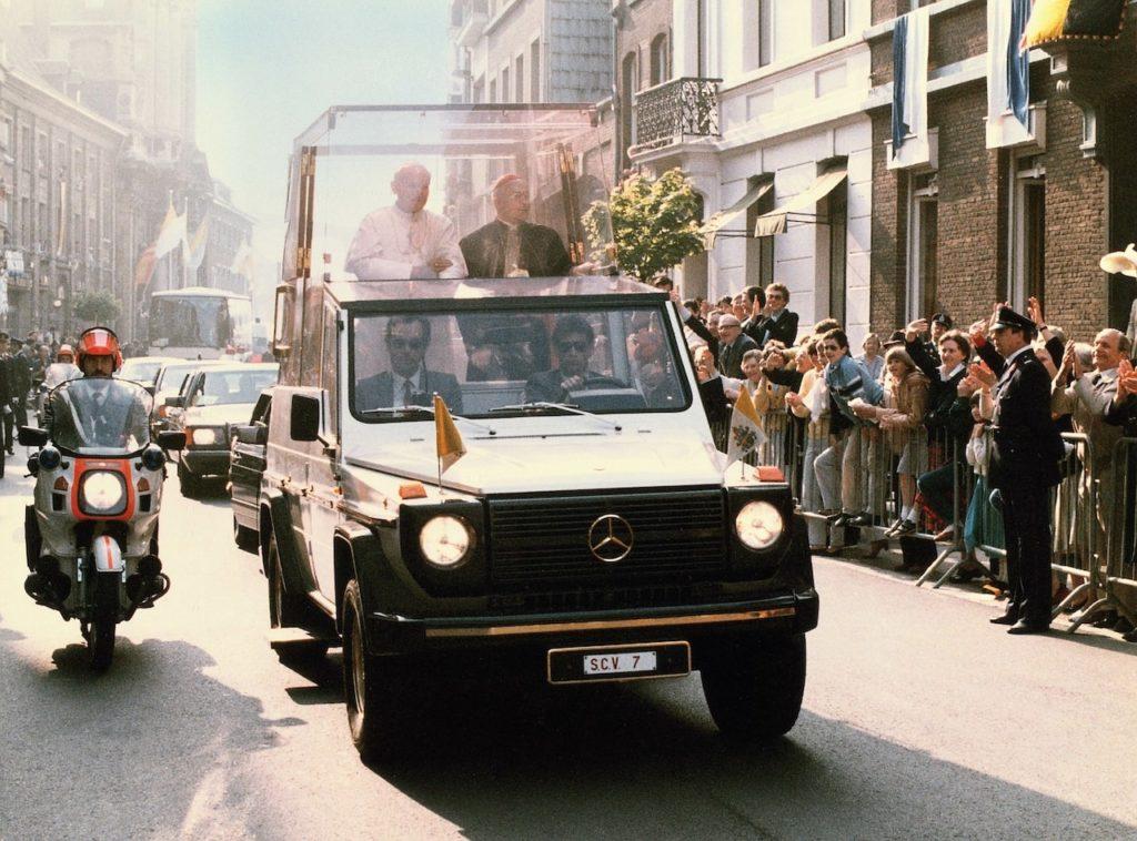 メルセデス・ベンツ Gクラスの歴史を100枚の写真で辿る。「ゲレンデヴァーゲン」が愛され続ける理由とは