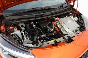 振動も大きく質感でも不利なのになぜ? なぜいま普通車に直3エンジンの採用が増えているのか