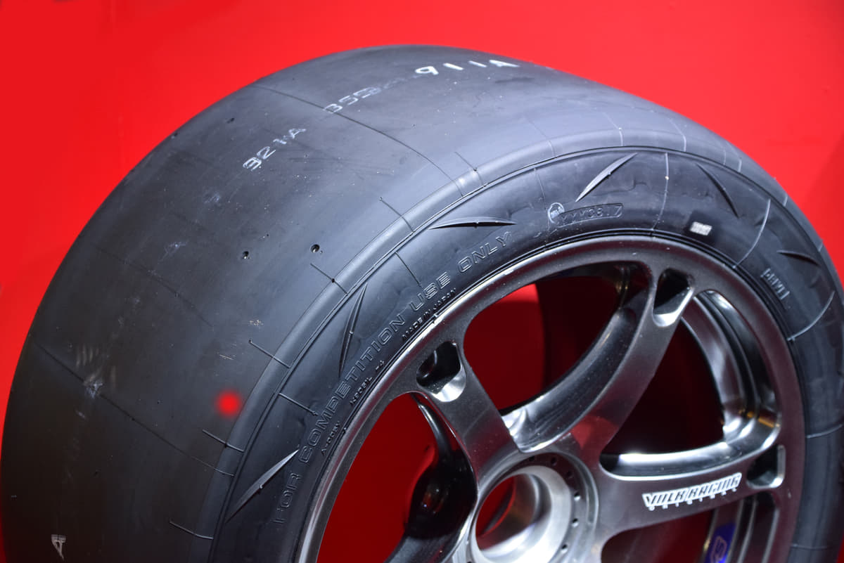 グリップ力は高いのになぜ? レース用タイヤを公道で使ってはいけない理由