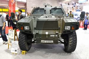 日本の平和と安全を守る! 陸上自衛隊が誇る「軽装甲機動車」と「指揮通信車」【画像20枚】