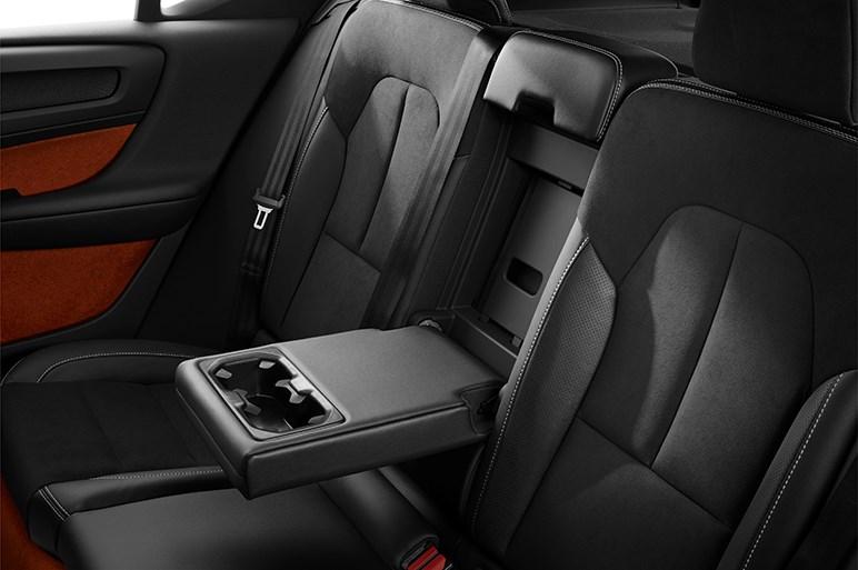 ボルボ新型XC40は兄貴分たちに劣らない乗り味とユーティリティが魅力