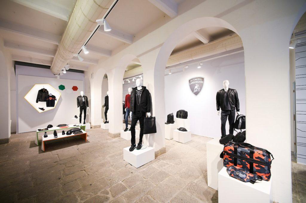 ランボルギーニのハイテクを「着る」。2020-2021年秋冬メンズウェアコレクションを発表